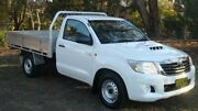 2015 Toyota Hilux KUN16R MY14 SR 4x2 White 5 Speed Manual Cab Chassis Oaks Estate Queanbeyan Area Preview