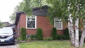 3 Br+2 detached house in Central Newmarket $699 K for sale