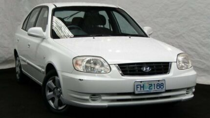 2005 Hyundai Accent LC MY04 GL Noble White 5 Speed Manual Hatchback Derwent Park Glenorchy Area Preview