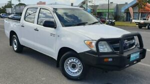 2006 Toyota Hilux GGN15R MY05 SR 4x2 White 5 Speed Automatic Utility Bungalow Cairns City Preview