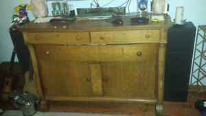 Beautiful Antique Quarter Sawn Oak Buffet