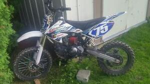 KDF (pit-bike) 700 nego