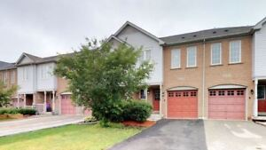 Stunning 3 Bedroom Townhome In Churchill Meadows!