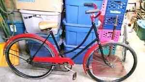 Bicyclette antique ccm noir/rouge 1 vitesse roue 28po cadre 21po