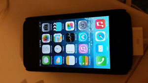 32GB Bell iphone 4s. 100 Firm