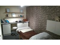 Beauty therapy treatment room to rent per day