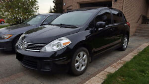 2007 Nissan Versa SL Hatchback - Mint Condition