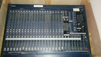 Yamaha MG24/14FX 24-Input 14 Bus Mixer (Great Condition)