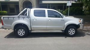 2005 Toyota Hilux KUN26R SR5 (4x4) Silver 5 Speed Manual Dual Cab Pick-up Medindie Walkerville Area Preview