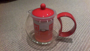 BRAND NEW Red Bodum Assam 34-Ounce Tea Press London Ontario image 4