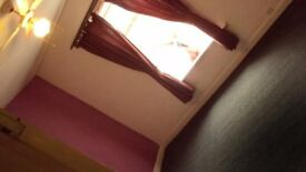 2 BEDROOM Terraced House available to Rent in OLDHAM.