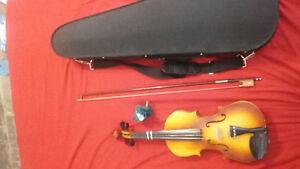 3/4 Violin and Case Peterborough Peterborough Area image 2