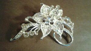 Rhinestone Crystal Bridal Brooch Pin Silvertone - New!