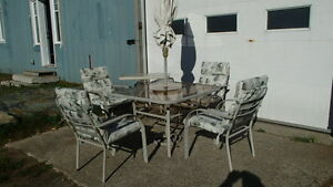 Ensemble patio tables & chaises