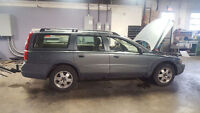 Parting out 2001 Volvo V70 XC AWD