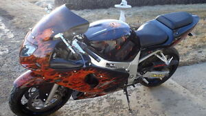 02 GSX-R 600 fully airbrushed