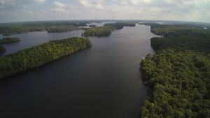 Bobs Lake 10 Acres with 500' Waterfront!