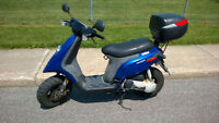 2005 Piaggio Typhoon Scooter + 2 helmets casques - FAST SALE