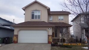 ***STUNNING EXECUTIVE HOME IN LEDUC***