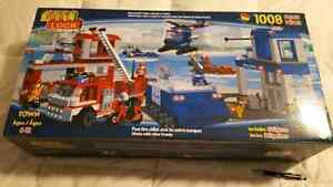 Brand New HUGE Emergency Services Building Set