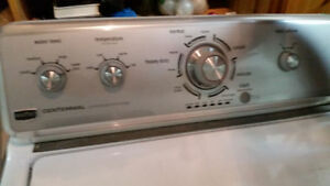 LAVEUSE MAYTAG CENTENNIAL 250$