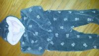 Baby Girl Cherokee Snowsuit. Size 6-12m in Excellent condition