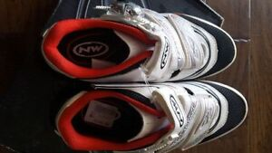North wave 7.5 cycling shoes. Brand new in box Edmonton Edmonton Area image 2