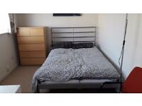 Double room available now in gay friendly house bills inc