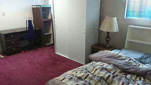 $510/month ★ Commercial-Broadway Station ★ Female only