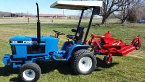 1997 Ford 1220 Diesel Tractor with Farm King Finishing Mower