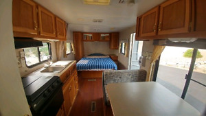 2006 Fleetwood Mallard Travel Trailer!