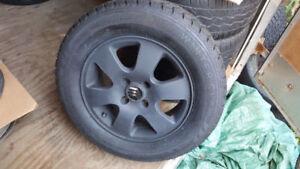 "4 MAG NOIR FOCUS & pneu d""hiver avec clou 205 65R15(4x108)"