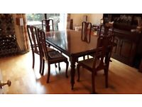 Beautiful Solid Mahogany Dining Table and Chair set