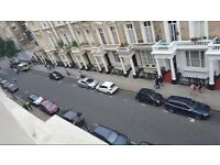 Nice room in spacious Notting Hill appartment