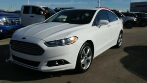 2014 Ford Fusion SE AWD Accident Free,  Navigation (GPS),  Heate