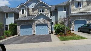 Newmarket Townhouse on Bogart Pond with Sauna – Avail Mid June
