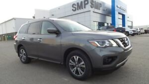 2017 Nissan Pathfinder SV- Bup Cam, BTooth, Htd.Seats/Wheel & 7P