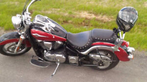 Kawasaki Vulcan 900 - W/ Windscreen and Saddlebags