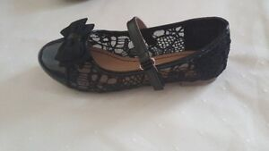 Girl Size 12.5 - Brand (American Eagle)