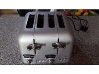 Delonghi four slice toaster