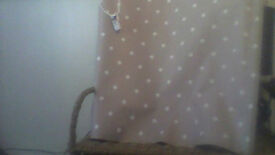 kitchen roller blind in beige and white polka dot in good condition just needs brackets