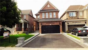 BEAUTIFUL HOME IN NEWMARKET (DONT MISS THIS ONE)