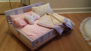 Shabby Chic Dog bed for your Prince or Princess!