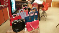 Lovely Hand Bags Lot for sale