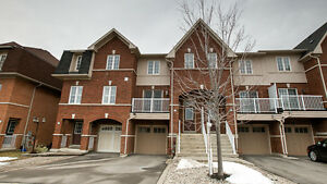 **GORGEOUS FREEHOLD TOWNHOUSE IN OAKVILLE**