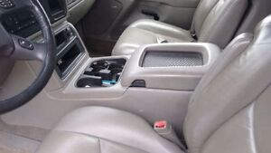 Center console with bose sub and amp 03-06