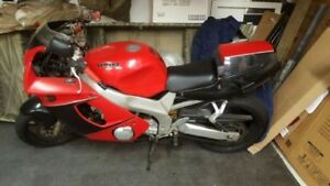 NEED GONE ASAP  - 1995 YZS 600 Motorcycle. Great condition.