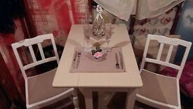 Shabby Chic Drop Table & 2 Chairs - Ex Cond