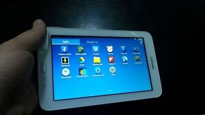 SAMSUNG TAB 3 LITE TABLET IN EXCELLENT CONDITION
