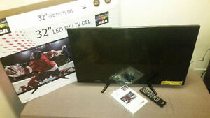 """32"""" LED TV with remote"""